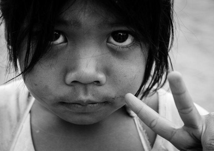 Ankor Thom Ankor Wat Cambodia Poor Kids Childhood Close-up Girls Humanitarian Khmer People Portrait Real People