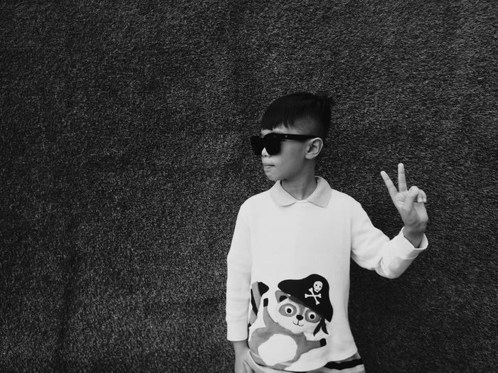 Nghệ thuật là cảm xúc. Không có cảm xúc. Không có nghệ thuật Emotions Thieves EyeEm Selects Sunglasses Disguise