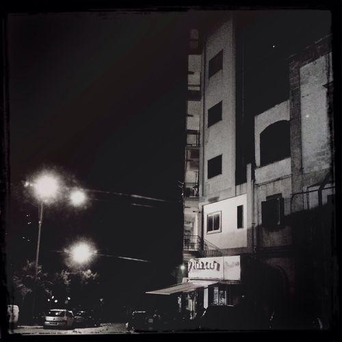 Quasi Hopper in Blackandwhite Waiting Wondering Dreaming Nightlights