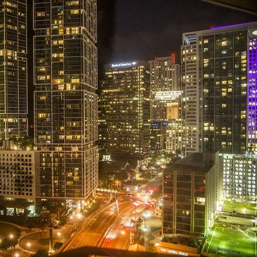 Miami à noite Cities At Night View Point View From The Window...