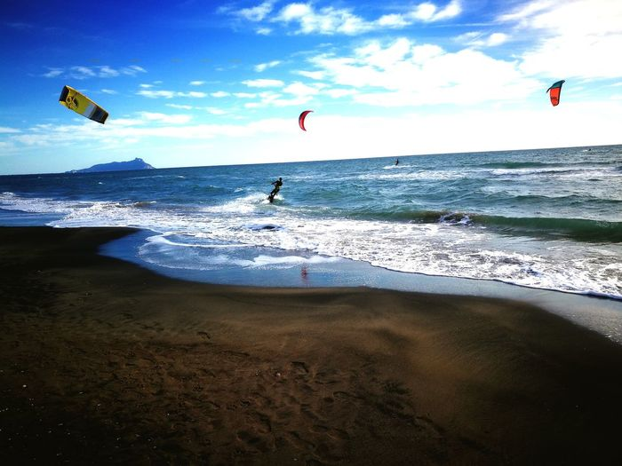 Paragliding Water Parachute Wave Extreme Sports Flying Sea Sport Beach Sand