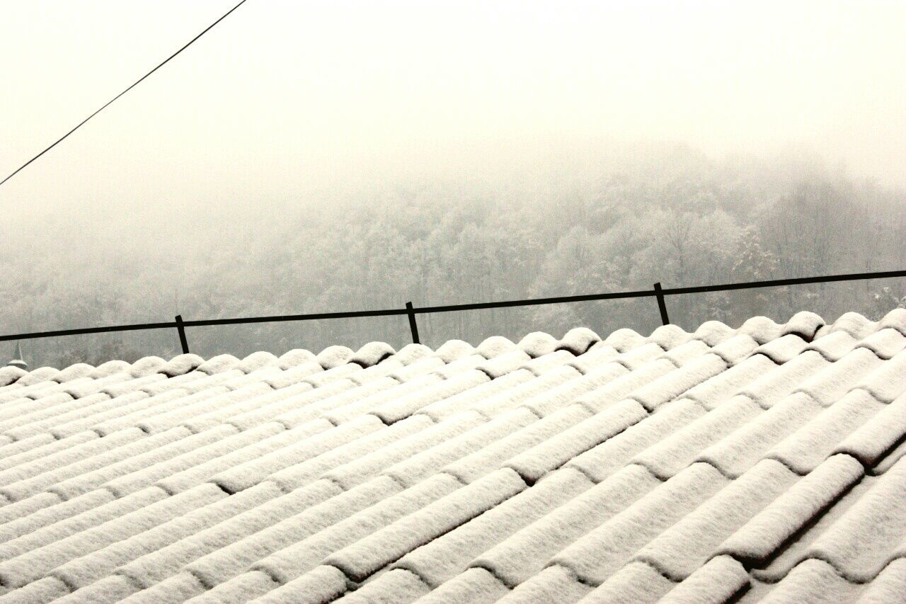 no people, day, outdoors, nature, winter, sky, tiled roof