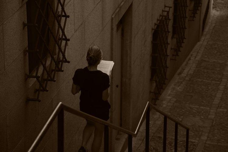Leyendo De Noche Sepia Sepiaaddict Toledo Vacaciones 2015 Nochesdefotografia Calma Total Soledad, Reflexion