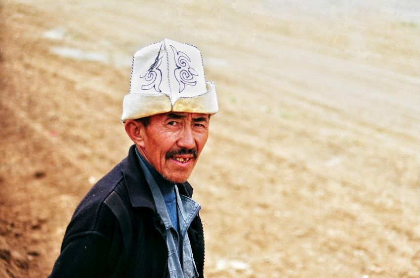 Pentaxcamera Pentax Pentaxmx Filmisnotdead Filmcamera Film Photography 35mm Film Analogue Photography Analog Camera People Portrait Peoplephotography Color Photography Man Human Life Hello World Hi! Ulupamir