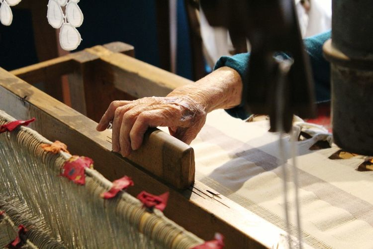 Leisure Activity Skill  Lifestyles Focus On Foreground Human Finger Traditional Culture Old Lady's Hand Old Lady Weaving Weaving Machine Abruzzo Abruzzo - Italy Handmade For You