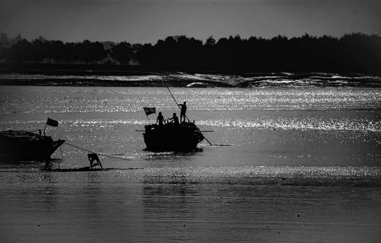 India Kolkata Transportation WestBengal Bangaladesh Bangladesh Boarder Black And White Boarder Boat Ganga River Photography