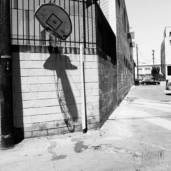 Canon Photography Photooftheday Sl1 100D DSLR La Losangeles California Blacka dwhite Hoop City Broken Street Streetphotography Urbandecay