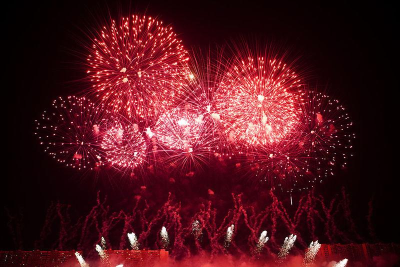 Arts Culture And Entertainment Celebration Event Firework Display Firework On River Illuminated Nice Moscow Night No People Red залп на реке красивая москва фейерверк фестиваль фестиваль фкйерверков