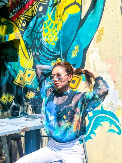 Portrait Street Art Fashion Lifestyles Outdoors Leisure Activity Casual Clothing Wall - Building Feature First Eyeem Photo