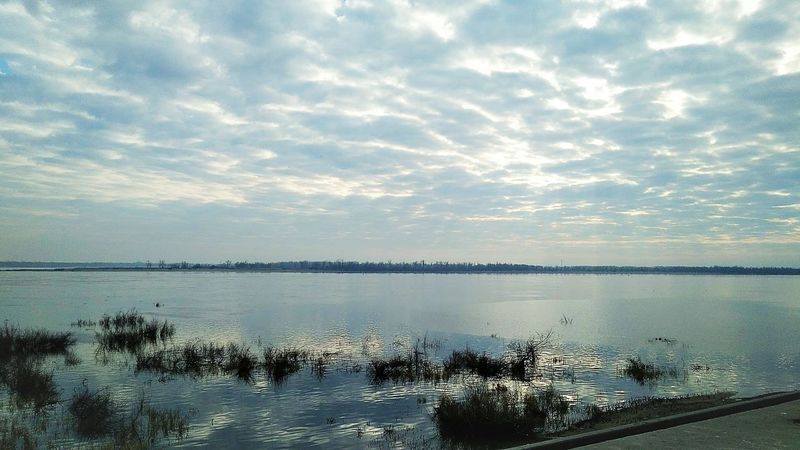 набережная Water River Rivervolga Volgograd Volga River Beauty In Nature MyPhotography Beautiful Mypic Like Moments Air Sky And Clouds Beautiful Nature Skyviewers Reflection Sky Cloud - Sky Sea Sunset Scenics Beauty In Nature Nature Tranquil Scene Tranquility Horizon Over Water Day No People Landscape