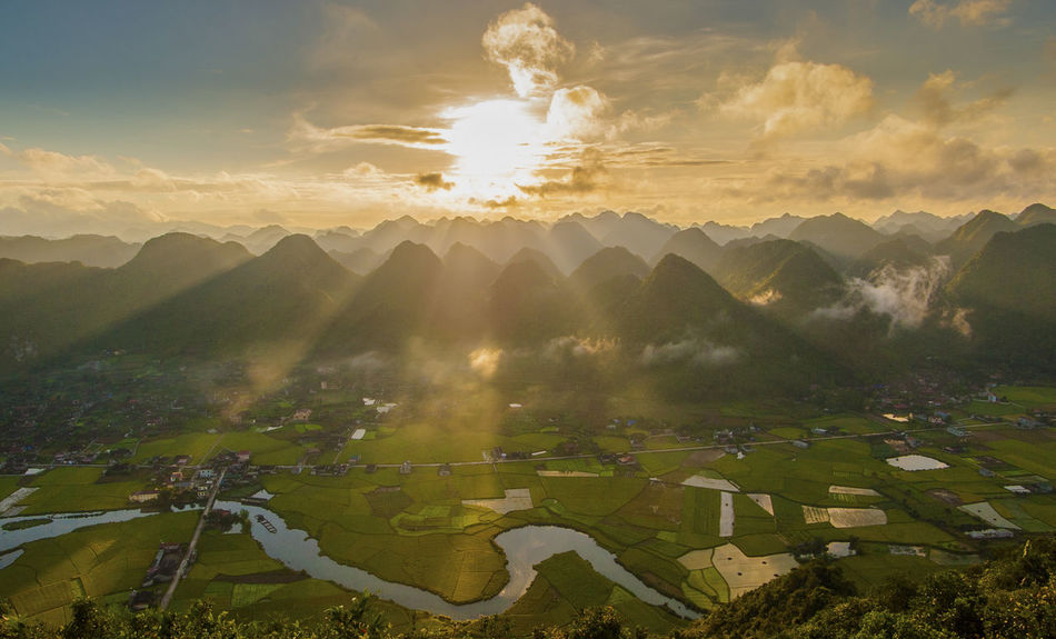 Story of clouds and mountains. Bac Son, Viet Nam Benro Filter Buity Moutain Lạng Sơn Vietnam Nikon Photography Nikon Buity Landspace Quan Hoang Photography Vietnam Vietnam Buity Landspace Vietnam Buity Moutain Vietnam Buity Nature Vietnam Travelling Vietnamese Beauty In Nature Buity In Nature Buity Landspace Buity Rice Paddy Buity Sunrise Cloud - Sky Mountain Nature Sky Sun Vietnam Buity Sunrise Vietnamphotography