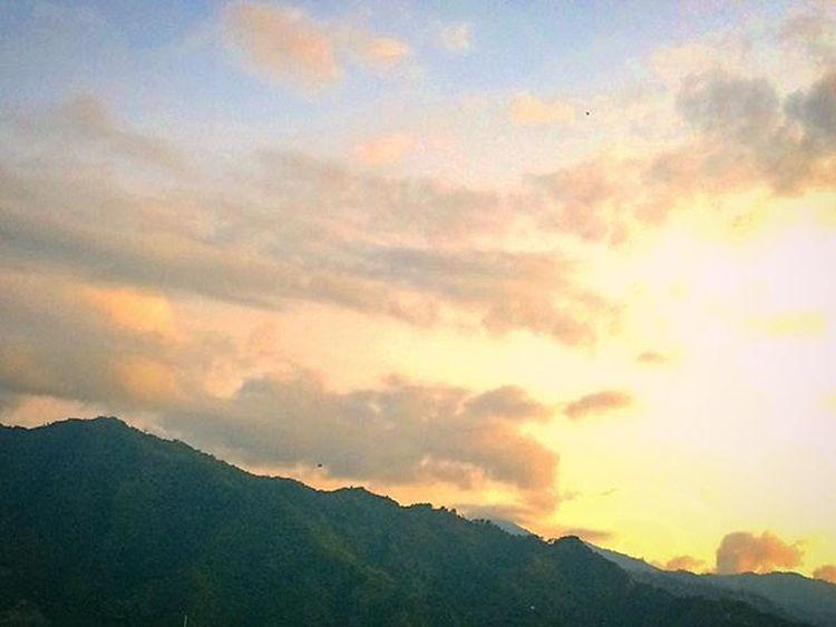 Buenos y recargados días. 5 -365 Ibagué Colombia Mountains OMDP