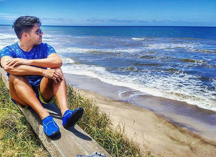 A esta hora estaria tomando matecitos en la playa o con los viejos. Se extrañaaaaa Mardelplata Missing Playa Elmarquesado Vacaciones Lobuenosetermina Cliff Instamoment Instagood Beard Beardedmen Scruffymen Scruffy Coast Ocean
