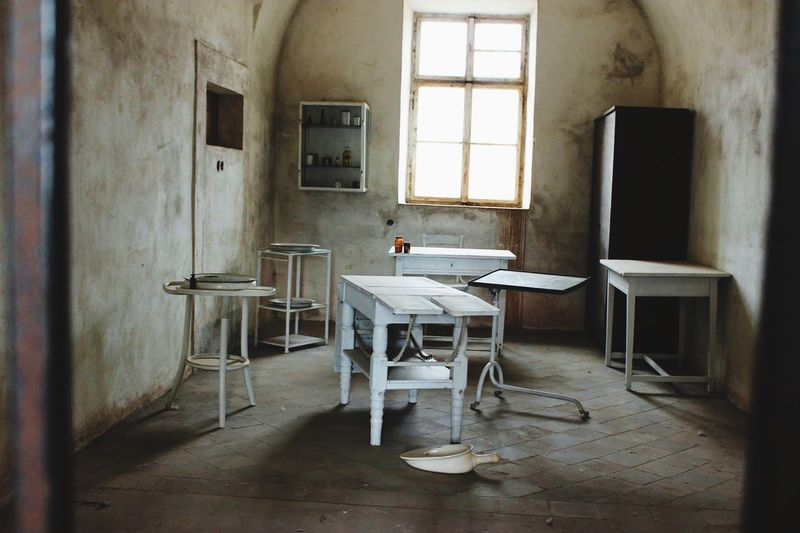 Scary psycho room Room Dead Scary Terezín Psycho Abandoned Chair No People Table Architecture EyeEmNewHere EyeEmNewHere