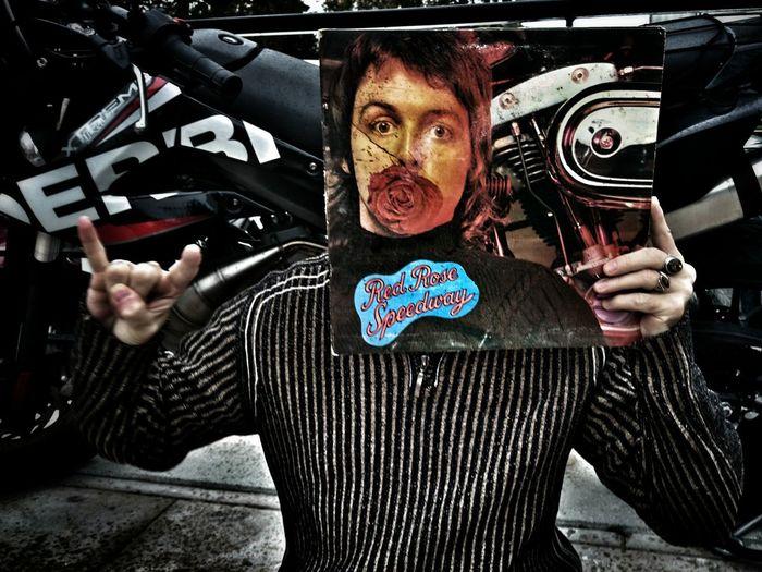 Red rose speedway. Paul McCartney and Wings. The Illusionist EyeEm Best Shots EyeEm Best Shots - People + Portrait Vynil