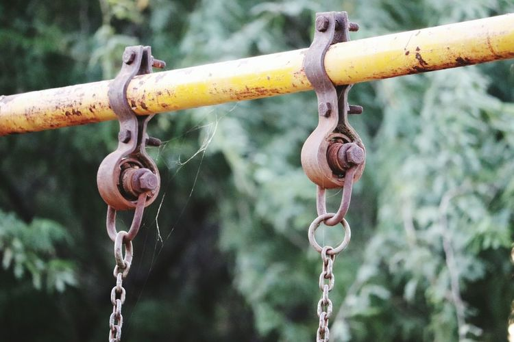 The Week On EyeEm Metal Chain Beauty In Nature Rusty Textured  Canon 800d Beautyofrust Outdoors No People Hanging EyeEm Best Shots Defocused  Your Ticket To Europe