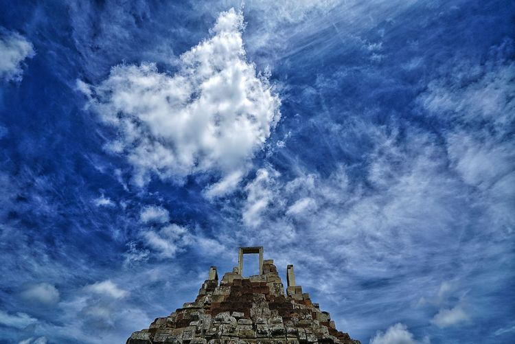 Cambodia Photos Clouds And Sky Cloudpark Top View Misterious Historical Place Historic Site Histricalsite Travel Getting Inspired Walking Around Sitevisit History From My Point Of View Taking Photos Streamzoofamily The Great Outdoors - 2017 EyeEm Awards The Architect - 2017 EyeEm Awards