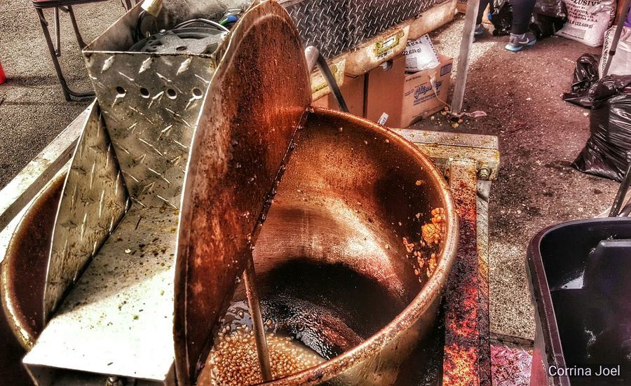 Kettle Corn. Samsung Galaxy S6. Ocean Shores, Washington (USA). Edited with Snapseed. Smartphonephotography Snapseed Editing  KettleCorn Craft Show Fair Check This Out Relaxing Machine Shinny Pots