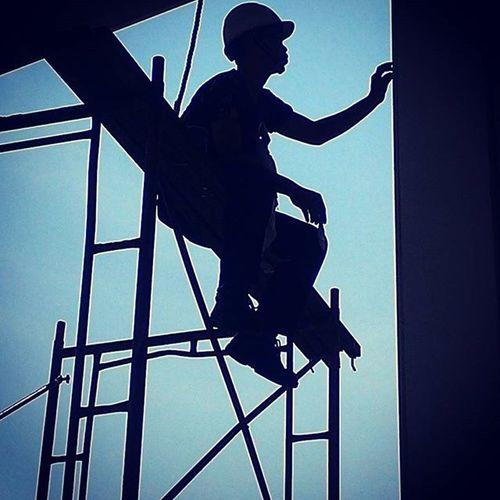 Keselamatan adalah hal utama anak istri menunggu dirumah 👏😀☺😧 Safetyshoes Hat Safety Safetyfirst Blue Black Industry Painting Practicedaily Practice Forfamily
