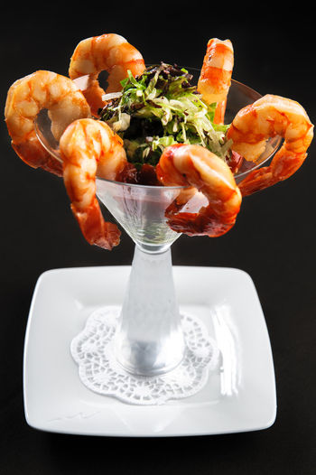 Prawns with salad Dinner Meal Time Prepared Salad Seafood Shrimps Tiger Prawn Appetizer Appetizers Appetizing  Appetizing Food Delicious Delicious Food Dieting Dieting Food King Prawns King Shrimp Prawns Prepared Food Restaurant Food Tasteful Tasty Tiger Shrimp Vegetable