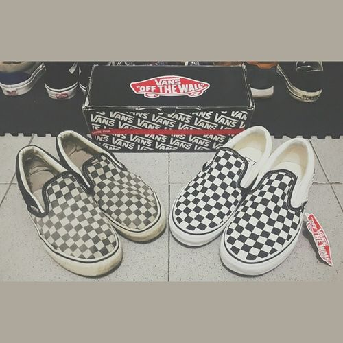 Revitalisasi slip on checkerboard b/w Npu Vans Classic