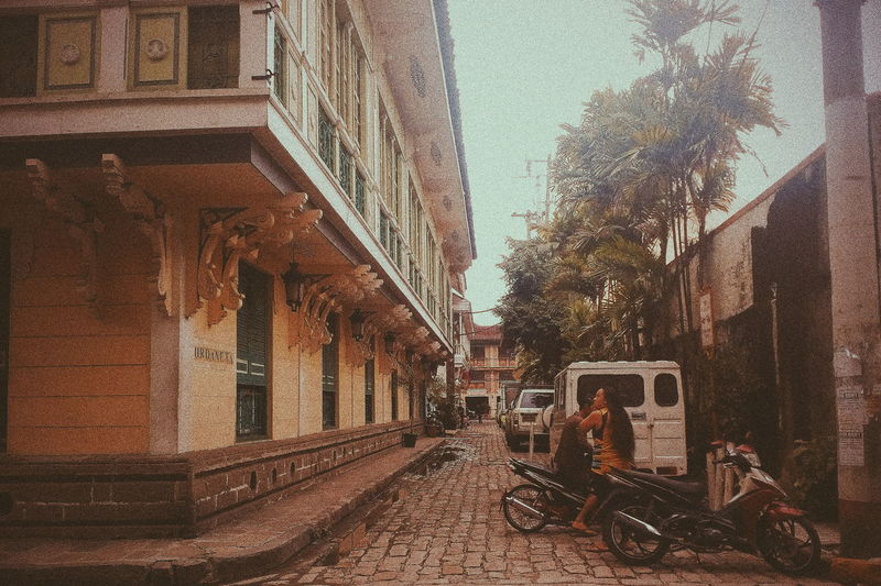 Architecture Built Structure Land Vehicle No People Day Sky Outdoors Building Exterior Low Angle View The Week On EyeEm Eyeem Philippines EyeEmNewHere Eyeemphotography EyeEm Gallery Tranquility City Fotografia Scenic Vintage