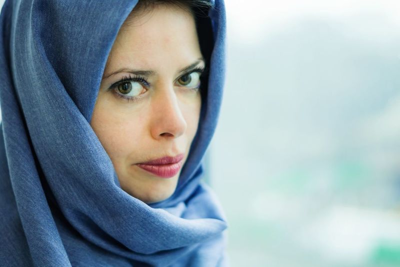Portrait Only Women One Person Eye Beautiful People One Woman Only One Young Woman Only Young Adult Beauty People Human Body Part Scarf : )  Scarf Kind Of Vibe Girl Portrait Close-up Rainy Day Faces Of EyeEm Face Lips Make Up Blue Bluescarf