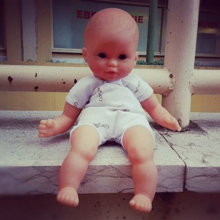 An exiled Doll... Creepy