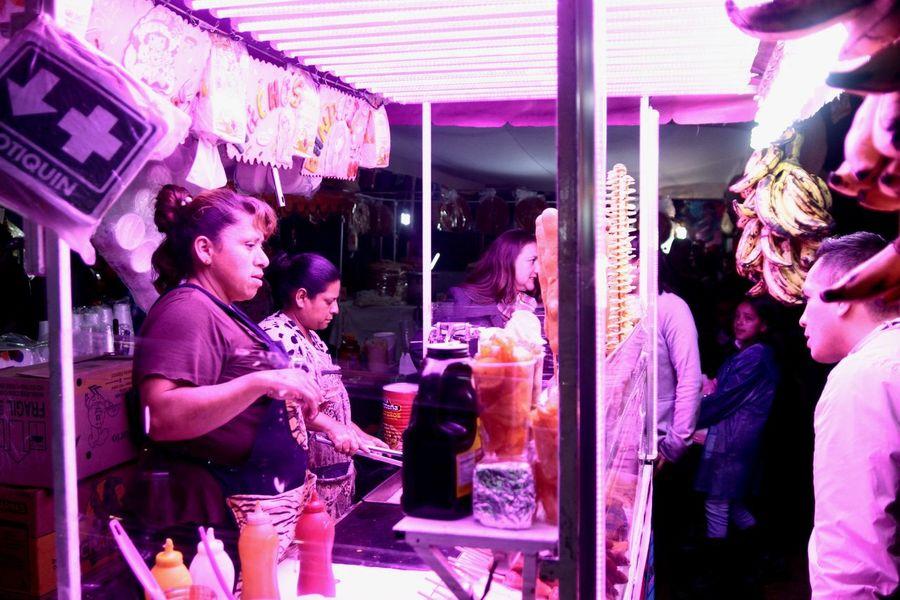Mexico City City Urban Exploration People Of EyeEm EyeEmNewHere EyeEm EyeEm Best Shots EyeEm Best Shots - The Streets EyeEm Gallery Composition Mexico Folk Popular Photos Film Holi Pink Color Business Finance And Industry Beautiful People Business Retail  Purple