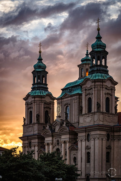 St Nikolaus Church, Prague Praha ❤️ Czech Republic Hanging Out Taking Photos Check This Out Hello World Traveling Travel Photography Architecture City Eyeemphotography Cityscapes Evening Canon Church Religion Beautiful Day Vacation