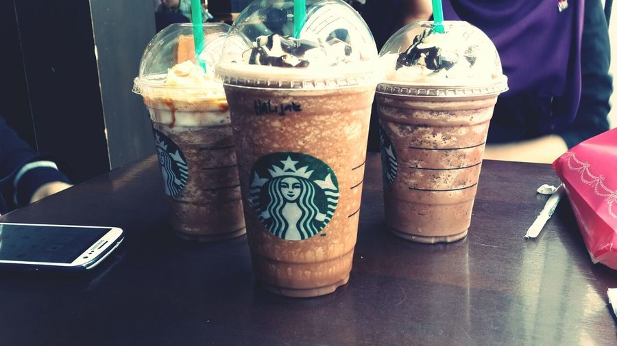 with friends ♥ Starbucks Good Day Chilling Friends