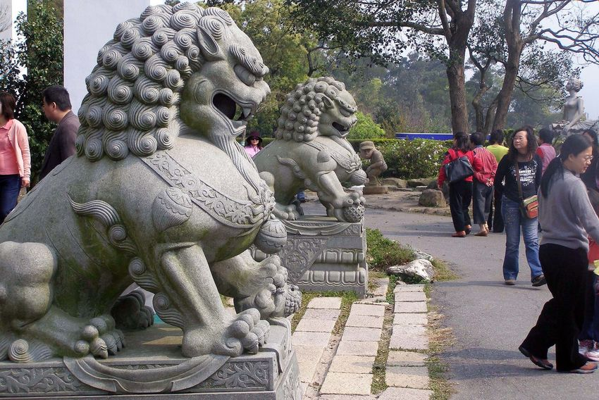 Tourist Destination Art Carved Stone Chinese Lions Carving Creativity Cultural Art Majestic Taiwan Temple