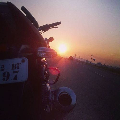 Gm folks!!! Sunrise Highway Biker Ride Bikelife RideOrDie NH4 Perfectmorning Picoftheday Streetsofindia _soi Pulsar 200 Bajajpulsar Pulsarfreaks