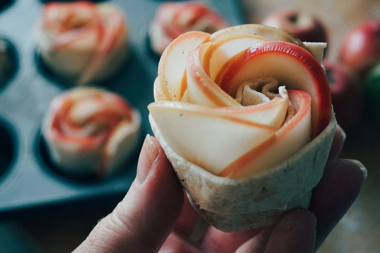 Apple Rose ready for the oven Hand Holding Close-up Human Body Part Apple Roses Baking Baking Time Pastry Homemade EyeEm Selects Human Hand Ice Cream Dessert Close-up Sweet Food Food And Drink Sweet Pie Tart - Dessert Apple Pie Pastry Dough Pie Baked Pastry Item Autumn Mood