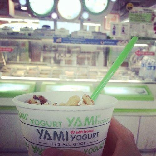 Yami yogurt to end my wednesday with @gladysniew @reen_wee Yamitreat Yamistory