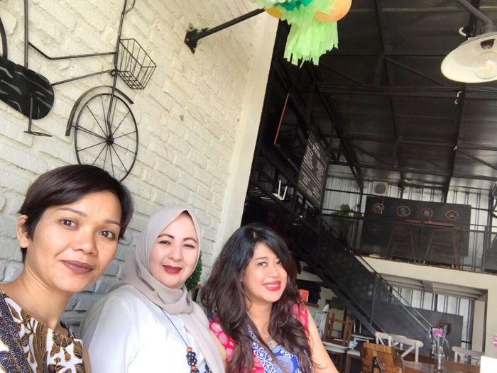 Mother's Day out. Forever Friends - ITag Mobile Upload-Me & Friends Tongsis User By ITag