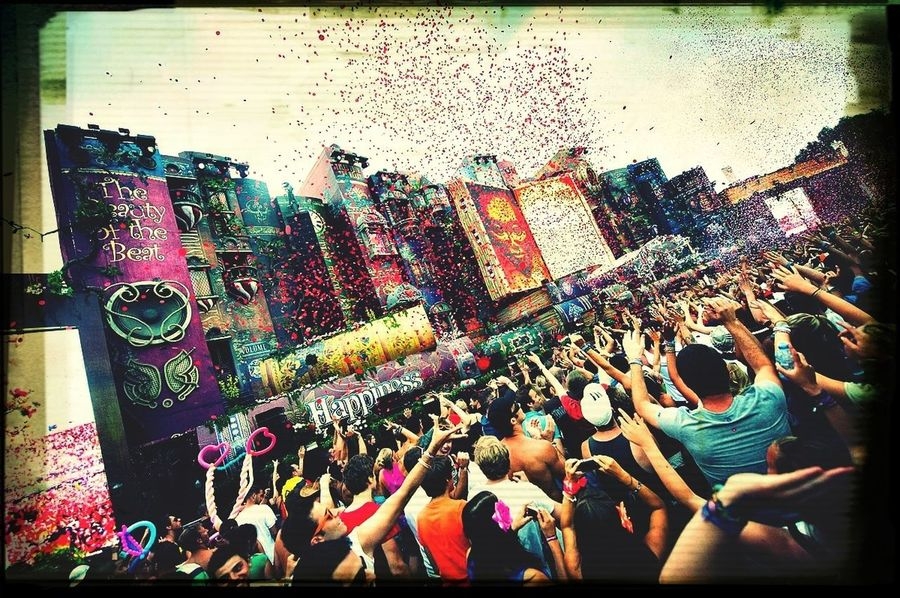 ❤️TOMORROWLAND 2014❤️ Tomorrowland 2014 :D Happy :) ITS A CELEBRATION BITCHES!
