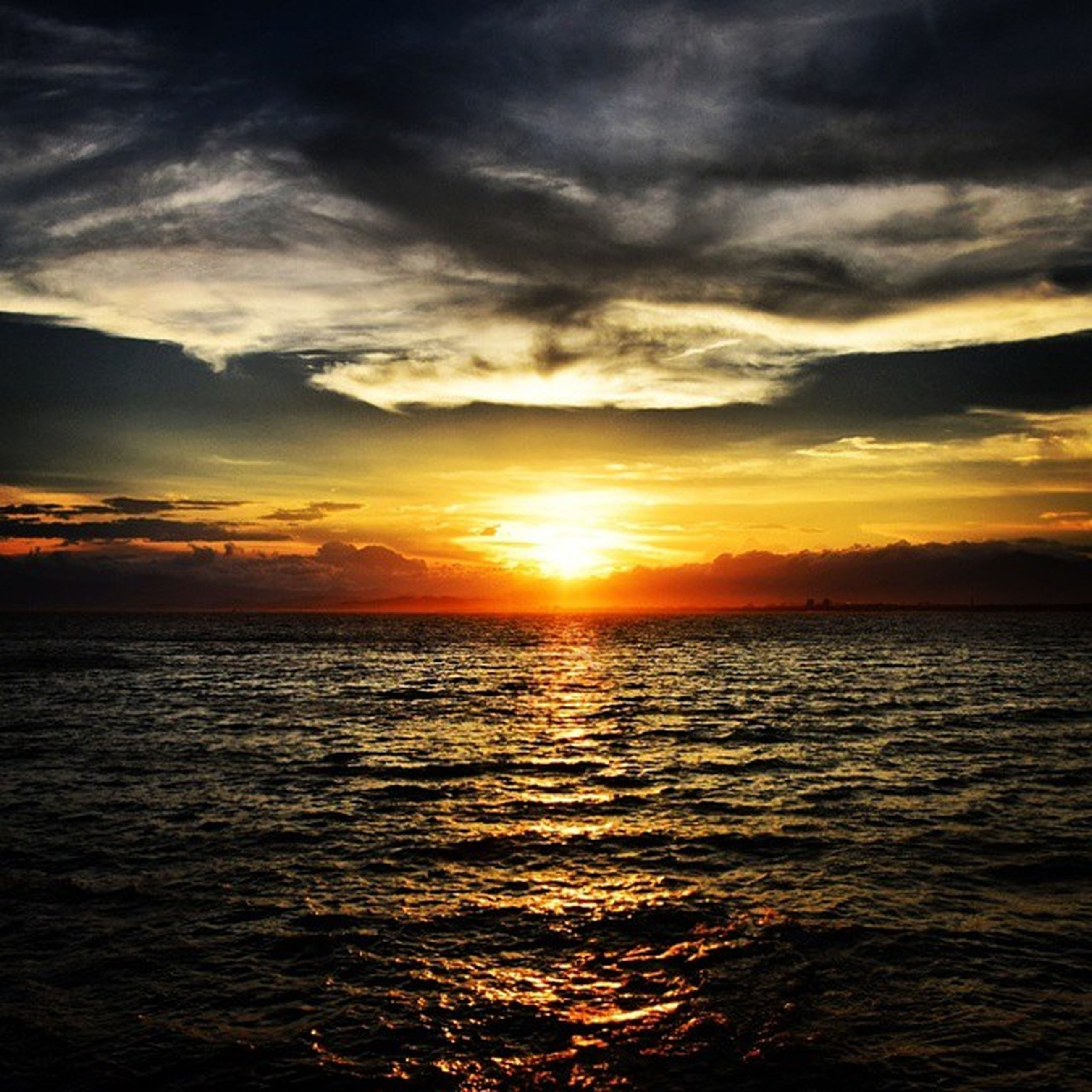sunset, water, sea, scenics, sky, tranquil scene, beauty in nature, tranquility, orange color, cloud - sky, horizon over water, sun, idyllic, waterfront, nature, dramatic sky, rippled, silhouette, cloud, reflection