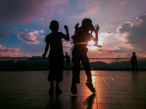 Oh Sunlight! Precious gold of earth☀. Sunset Two People Friendship Togetherness Sky Silhouette Sunlight Moment Outdoors Clouds Beautiful EyeEmNewHere Millennial Pink EyeEmNewHere Millennial Pink EyeEmNewHere