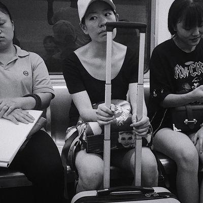 文艺重庆 | 58 Iphone6plus Group Of People Real People Men Sitting Indoors  Business Adult