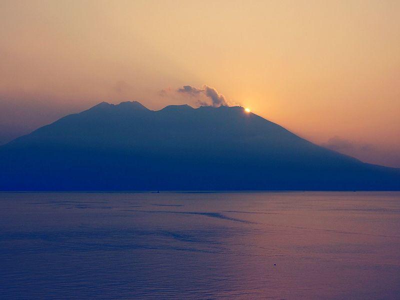 Sakurajima Sunrise From Sakurajima Early Morning Landscape Kinkowan Morning Sunshine View From The Balcony Kamikouahi Japan