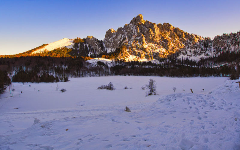 Winter afternoon at the snowcovered laudachsee