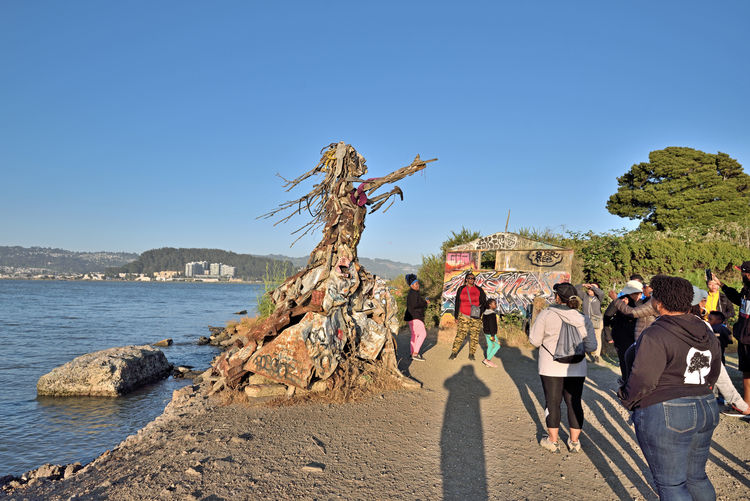 The Albany Bulb 2 Albany, Ca. Waterfront Peninsula Eastern Shore San Francisco Bay Former Landfill Dump For Contruction Materials Closed 1987 Became A Home For Urban Artists Outsider's Art An Anarchical No Man's Land Sculptures, Murals, Graffiti, Installation Art Made From Waste Recycled Materials The Bulb My Hiking Group Outdoor Afro Hiking❤ Sculpture : Water Goddess Bay Shoreline Outdoor Sculptor: Osha Neumann Activist,lawyer Defender Of The Homeless Bum's Paradise 2003 Movie