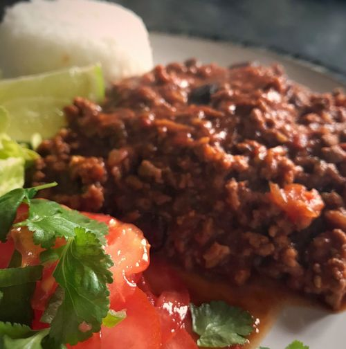 Fresh tomato salad with Chilli con Carne & rice 😋 Chilliconcarne Tomato Salad Rice Food And Drink Food Ready-to-eat Freshness Indoors  Serving Size Close-up No People Healthy Eating Day Food Photography Foodblog Foodblogger Dinner Tonight Yum! Simple Suppers