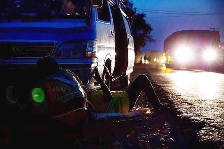 Glitch Cars Birmania Transport