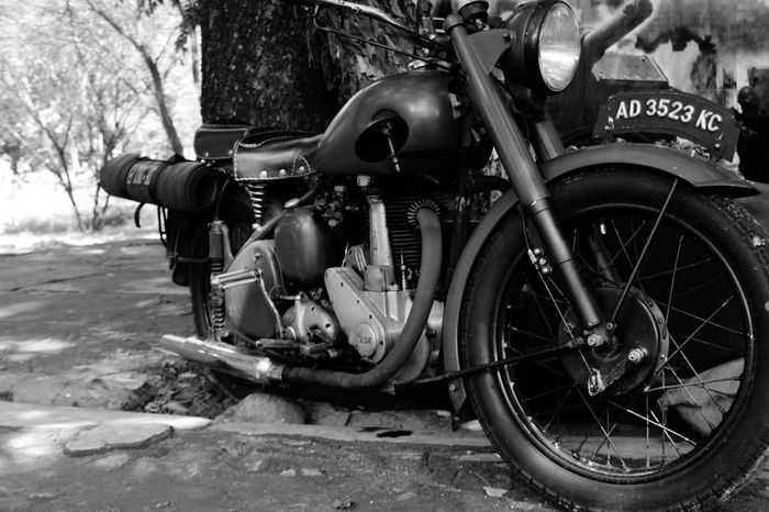 jeritan mesin tua.. Outdoors Otomotive Old Machines Live For The Story INDONESIA EyeEm Best Shots - Black + White Old But Awesome
