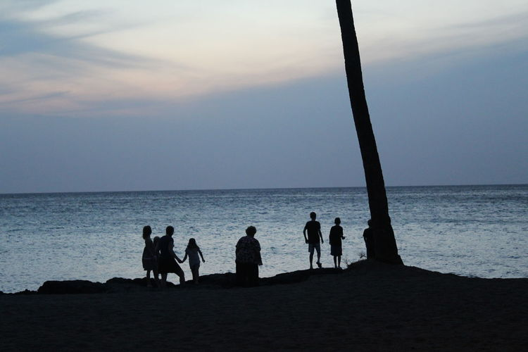 Hawaii Beach Beauty In Nature Group Of People Holiday Horizon Horizon Over Water Land Leisure Activity Lifestyles Men Nature Outdoors People Real People Scenics - Nature Sea Silhouette Sky Tranquility Water
