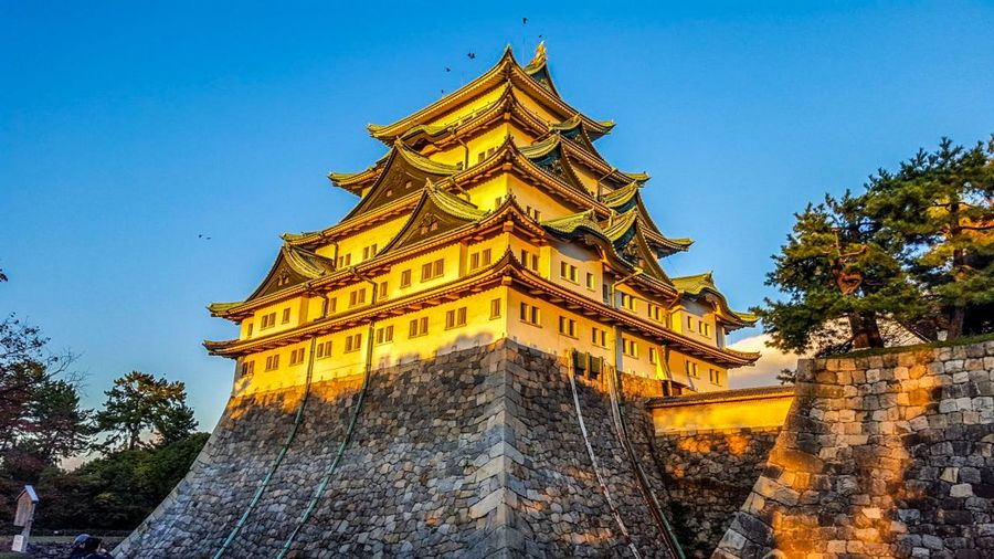 sunset over Japonese castle Architecture Architecture_collection Castle Travel Traveling Eye4photography  EyeEm Gallery Japan Japan Photography Japanese  Castle View  Sunset Sunset_collection Sun Sightseeing Cityscape City On The Road Religion Beauty Ancient Civilization Urban Scene Ancient Archaeology Civilization