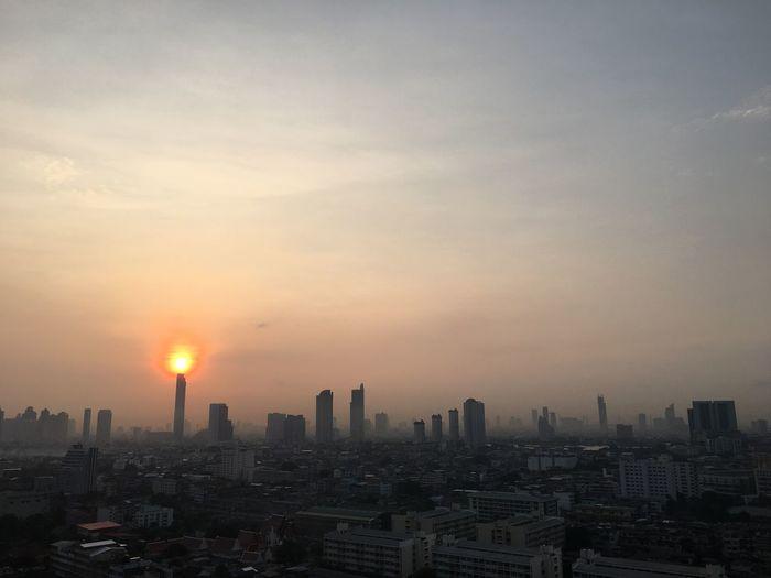 Sunrise #Sunrise #Bangkok #Thailand #EyeEmSelects #Nature  #beautifulnature #cloud #sky #sun Architecture Building Exterior Built Structure Sky Cityscape City Building No People Nature Urban Skyline Outdoors Cloud - Sky City Life Sun Landscape Office Building Exterior Skyscraper