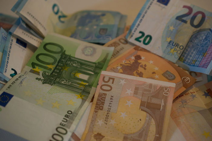100 Euro 20 Euro 50 Euro Banks Currency EUR Economics Economy Euro Bank Notes Gambling Rich Winning Banknote Economic Crisis Economic Growth Euro Euro Bills Finance Invest Investment Money Paper Currency Savings Wealth Wealthy